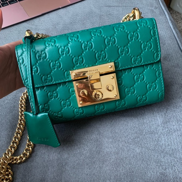 cb814cc09d9dc6 Gorgeous Green Gucci Padlock Small GG Shoulder Bag. Gucci.  M_5bb3d44c951996efd6ade6cf. M_5bb3d44e12cd4ac59ba3836c.  M_5bb3d44fa31c33c03f386149